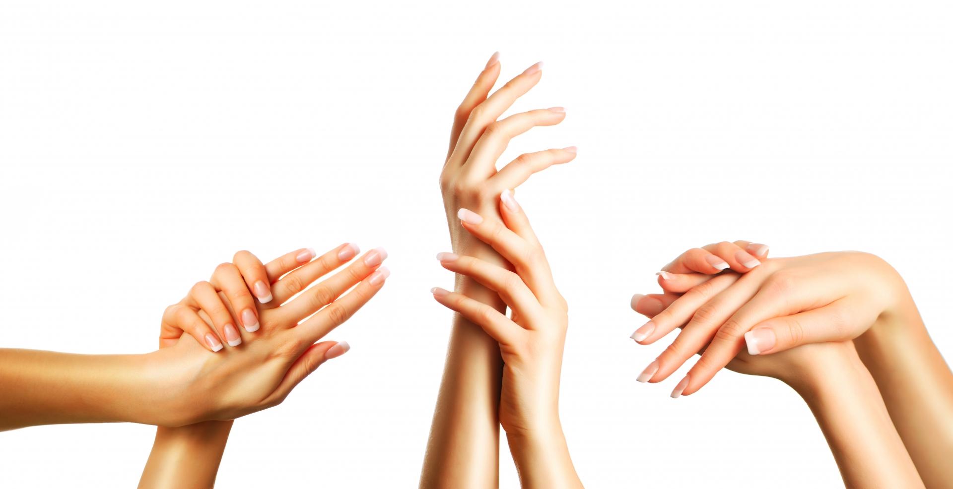 händer där naglarna har fransk manikyr